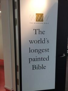 Die längste gemalte Bibel der Welt